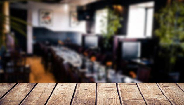 פרקט במסעדה